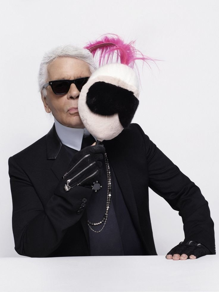 Best movies about fashion_Lagerfeld Confidential