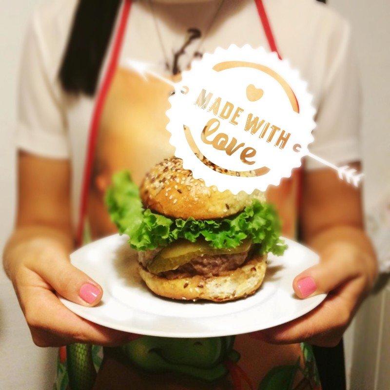 Брутальный ужин или как сделать сочный  бургер своими руками (девочки, на заметку к 23 февраля)