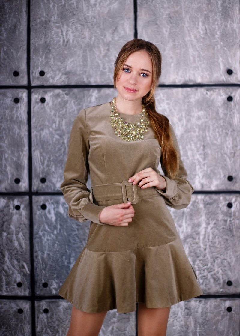 В чем прелести А - образного платья ? Или сколько уже можно говорить о велюре!?