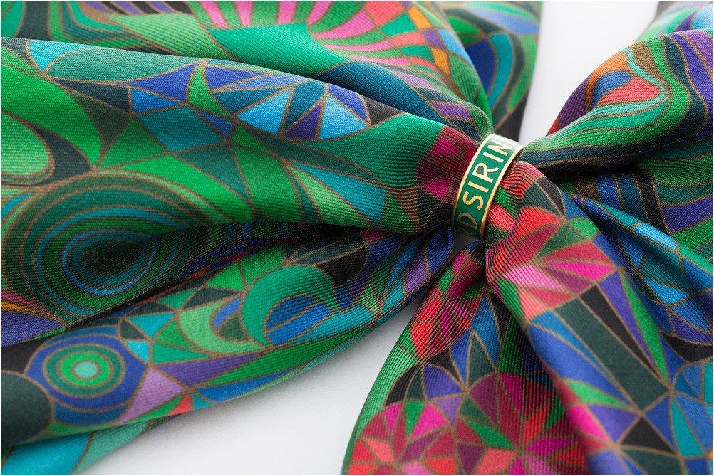 Российский бренд Sirinbird представил коллекцию фирменных серебряных колец для платков