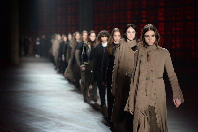 Неделя Моды в Милане. 5 модных приемов от Diesel Black Gold себе в гардероб.