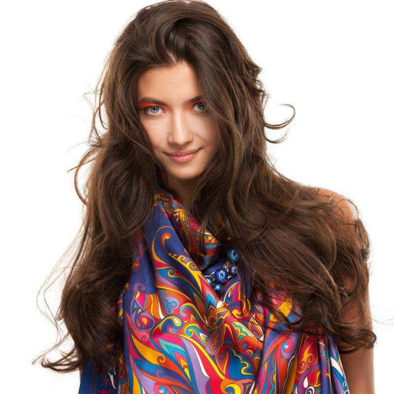 Sirinbird создал летнюю коллекцию платков и шалей по мотивам легенды о цветке «Иван-да-Марья»