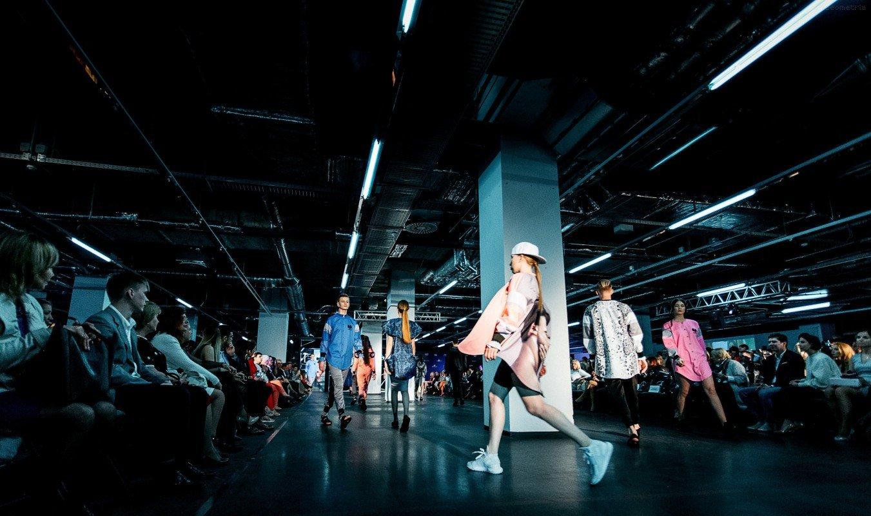 Дизайнер Юлия Морозова, основательница модного бренда AkellaBo, представила коллекцию