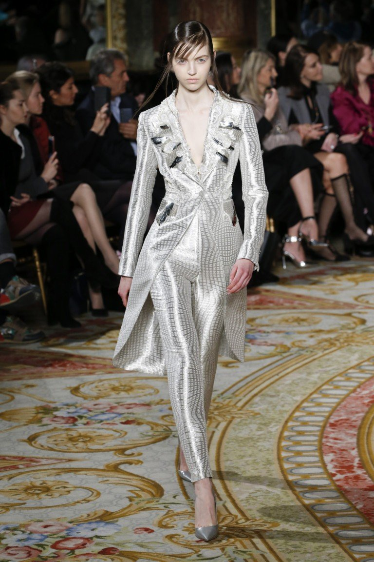 Valentin Yudashkin Show Paris Fashion Week Fall / Winter 2018/19