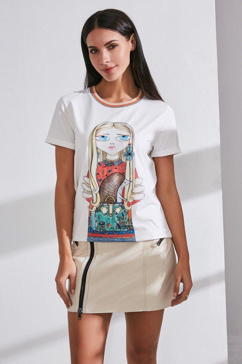 Бренд INA VOKICH украсил футболки яркими дизайнерскими принтами