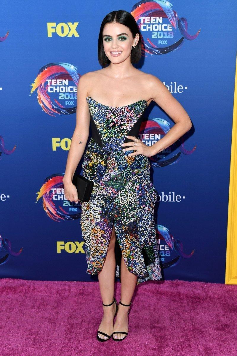 Образы с красной дорожки Teen Choice Awards 2018