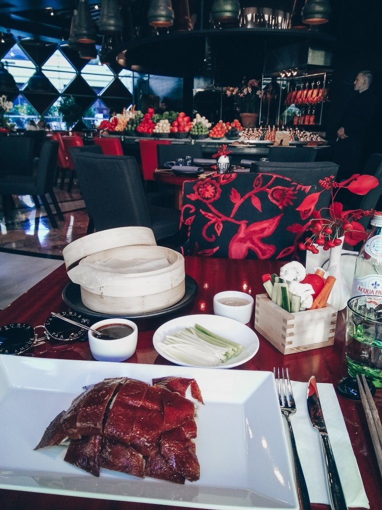 Куда сходить в Москве за 1000 рублей? Novikov Restaurant & Bar в отеле The Ritz-Carlton Moscow