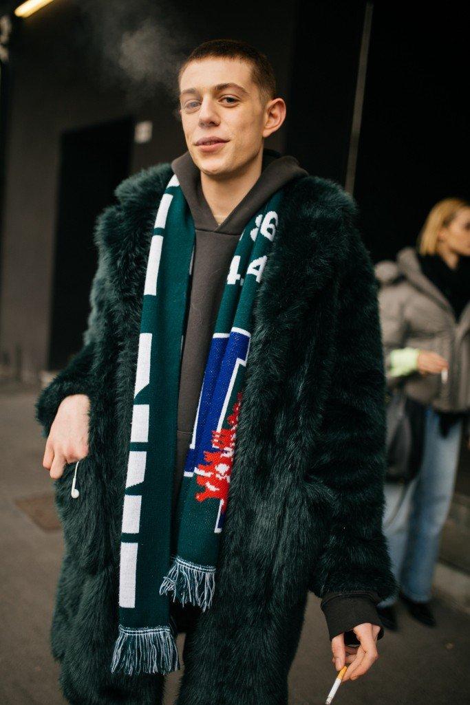 Street Style с мужской недели моды AW19 в Милане