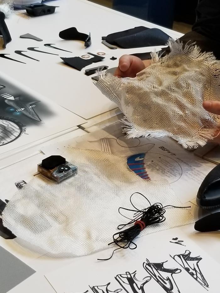 Nike представила модель «Adapt BB» с автоматической шнуровкой