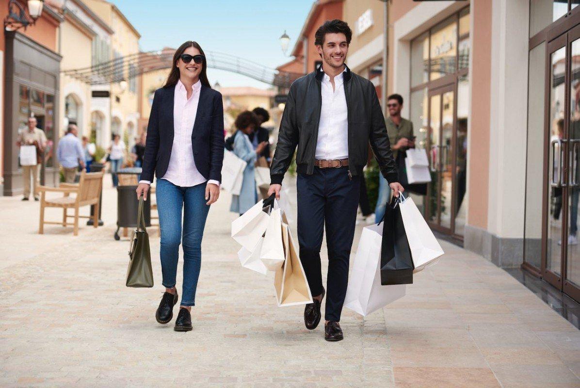 Где в Европе купить брендовую одежду со скидкой?
