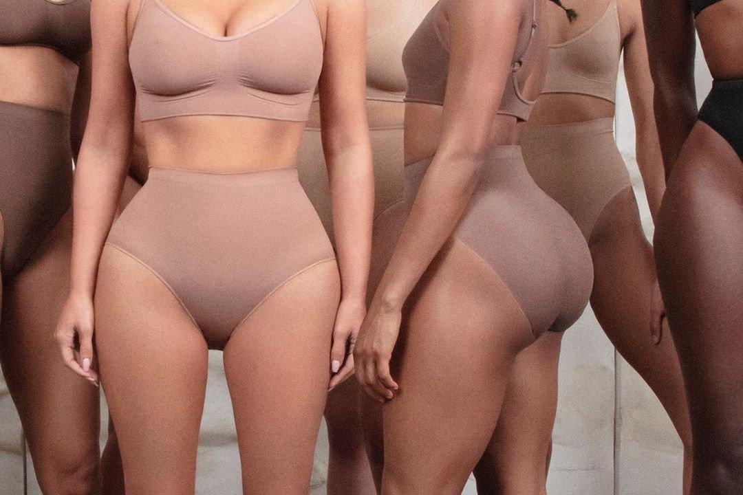 Ким Кардашьян анонсировала коллекцию корректирующего белья