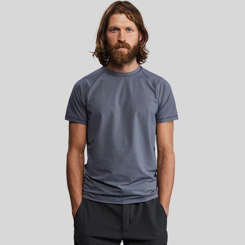Vollebak выпустили футболку из карбона