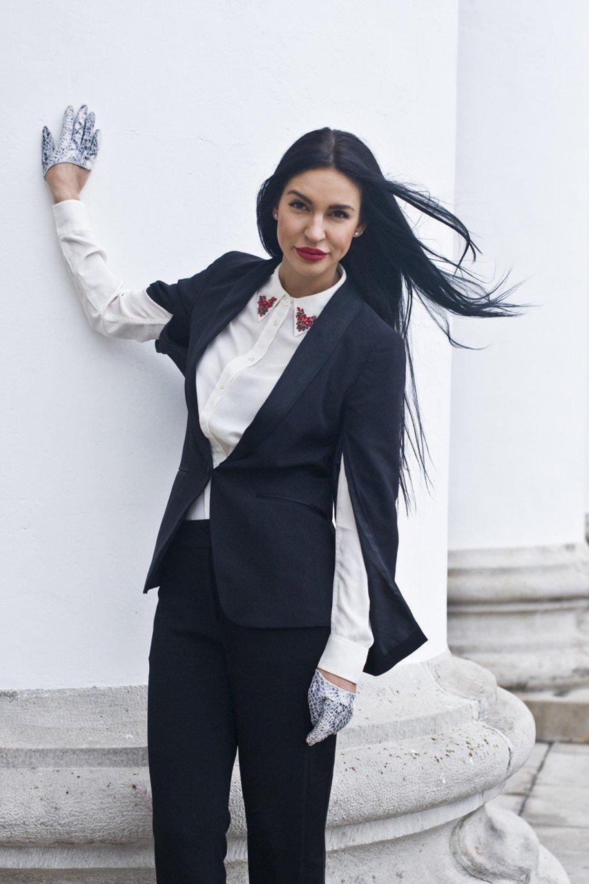 Женский костюм смокинг