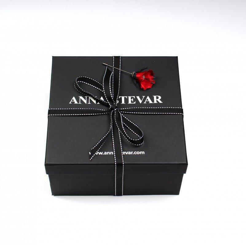 LOOKBOOK коллекции аксессуаров модного дома ANNA STEVAR