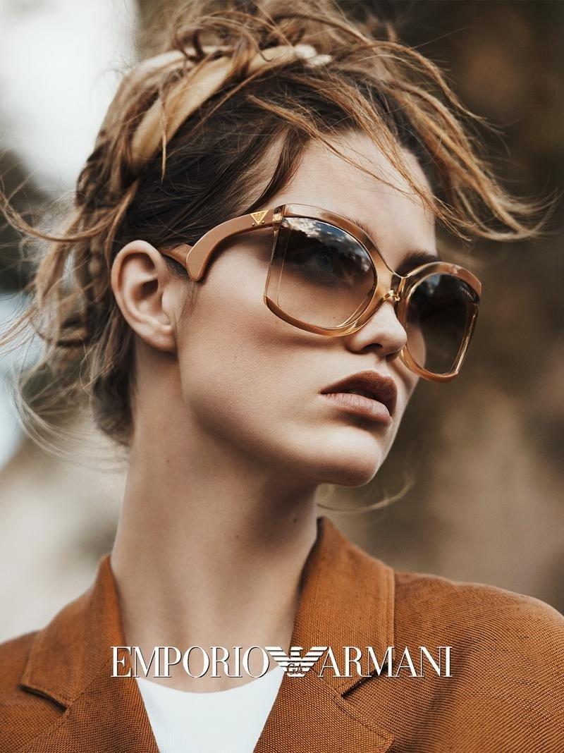 Модные тренды / Запах моря, ветер, солнце и очки