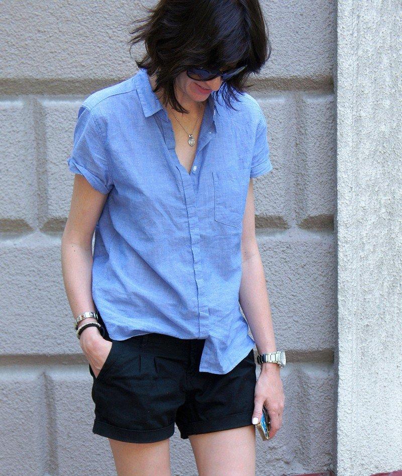 И снова рубашка! На этот раз джинсовая.
