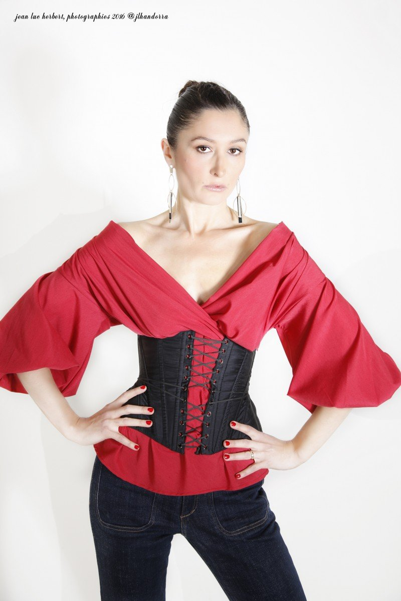Рукава-фонарики - нестареющая классика модной индустрии