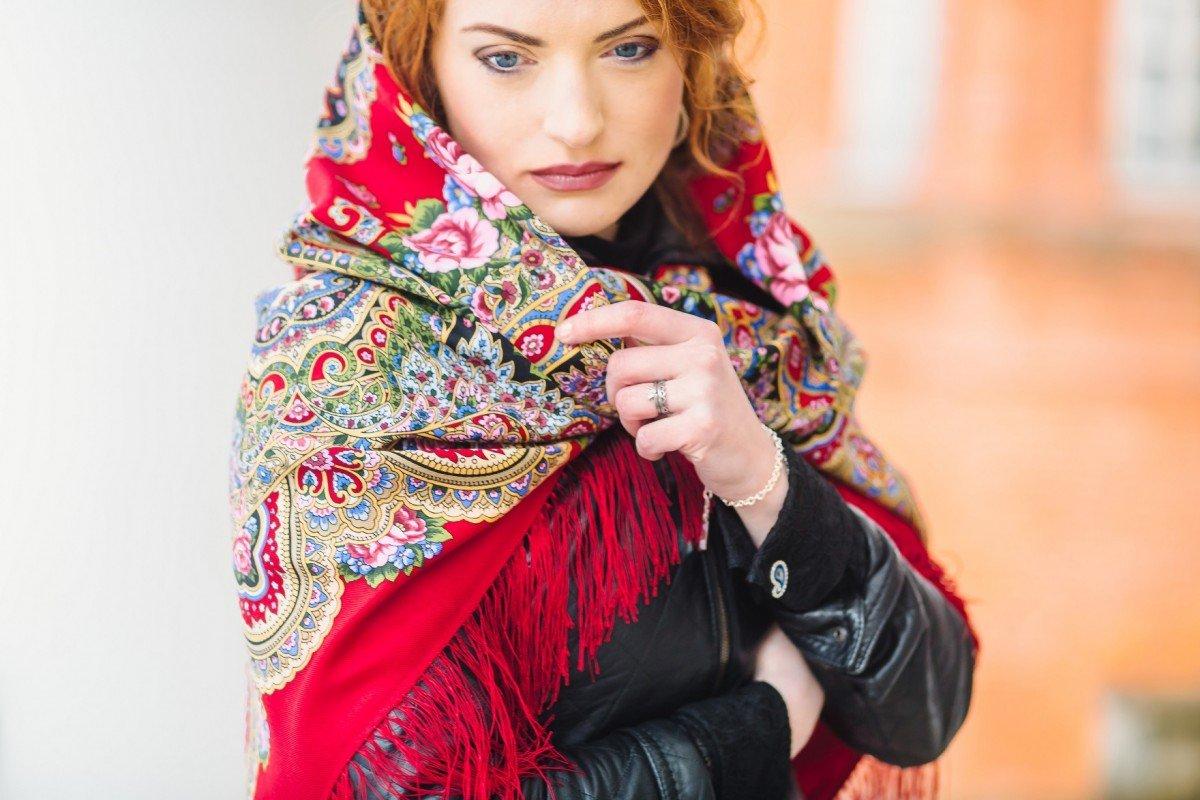 Коллаборация ювелирного бренда LeDiLe и Павловопосадских платков