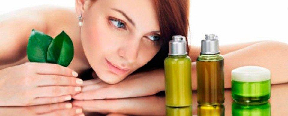 Косметическое масло для лица: чем опасно и почему не заменяет крем