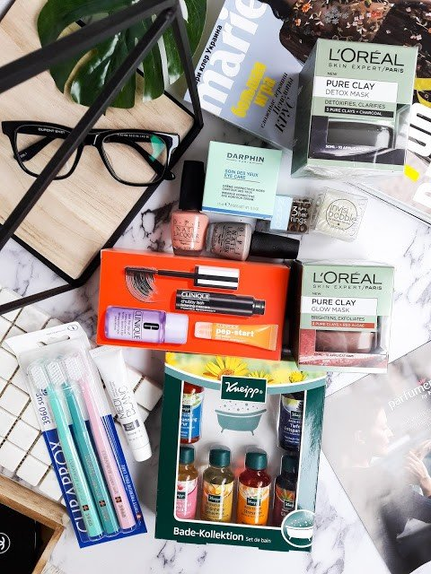 Shopping with Parfumeria by Notino: Loreal, Darphin, Clinique, OPI, Kneipp.