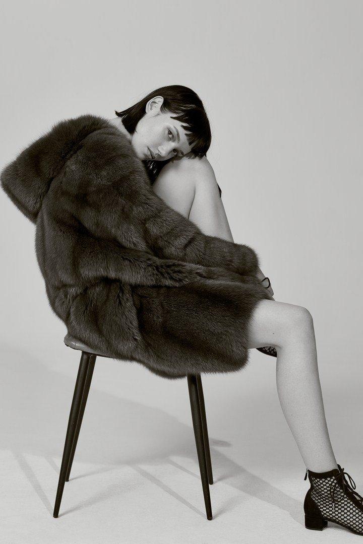 Рекламная кампания Izeta Couture весна-лето 2018: путешествие в 50-е