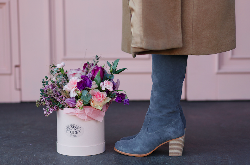 VALENTINE'S DAY WITH FLORES & SHOES OF PREY