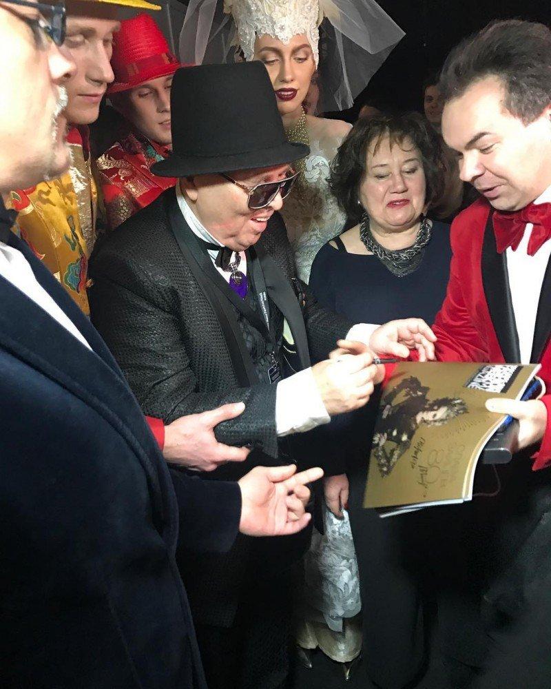 Энергия эпохи в финальном сезонном показе Вячеслава Зайцева