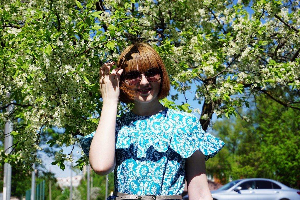 LOOKBOOK: Новое платье в цветущем саду