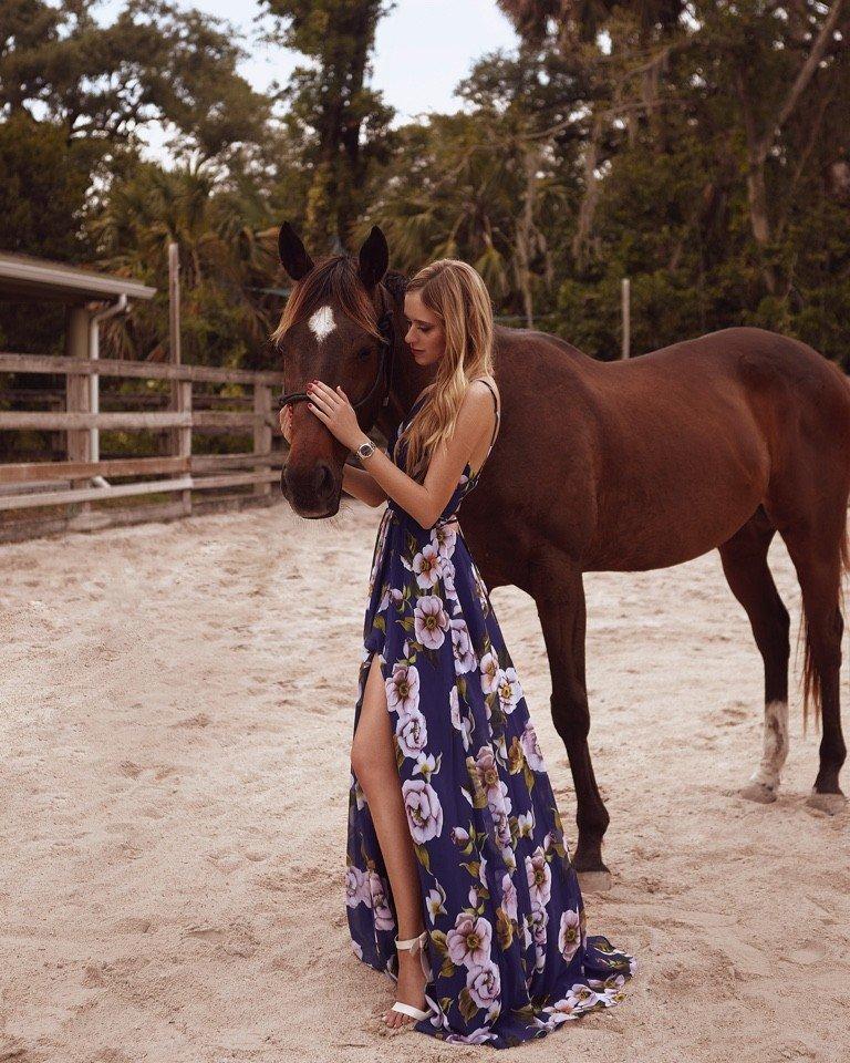 Бессмертный пони: фигура лошадки от Hermes vs живая лошадь за эту же цену . Кто готов платить больше 100 000 $ за бренд ?