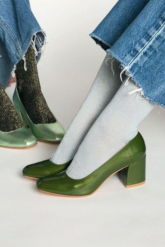 Долой обувь обычную – в моде  все необычное! /  Носки