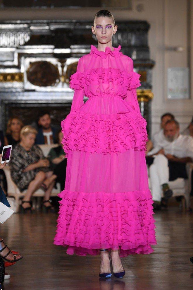 Роскошные платья Valentino на кутюрной Неделе моды в Париже