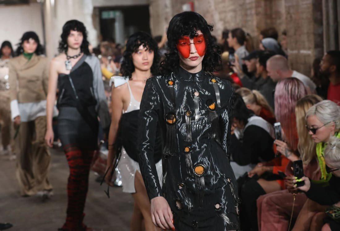 Больше не носим шубы? Лондонская Неделя Моды полностью отказалась от меха