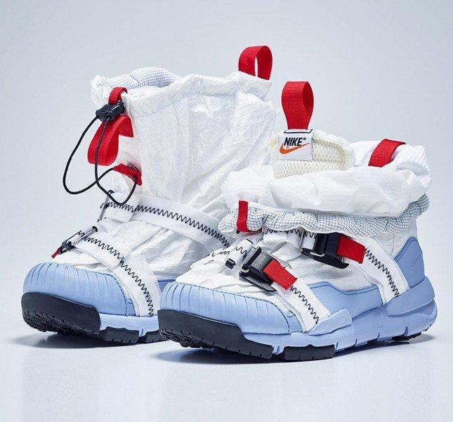 Кроссовки с Марса, Nike с Земли