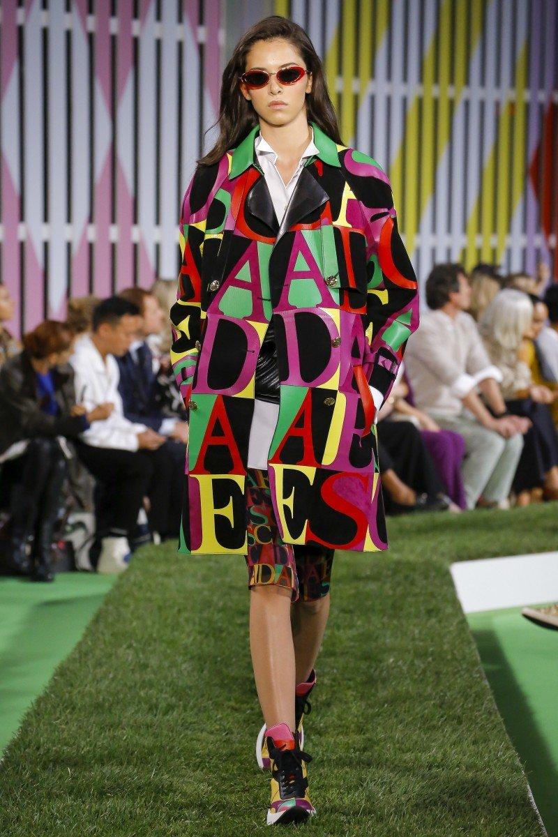 Топ – 3 самых фееричных показов на неделях моды