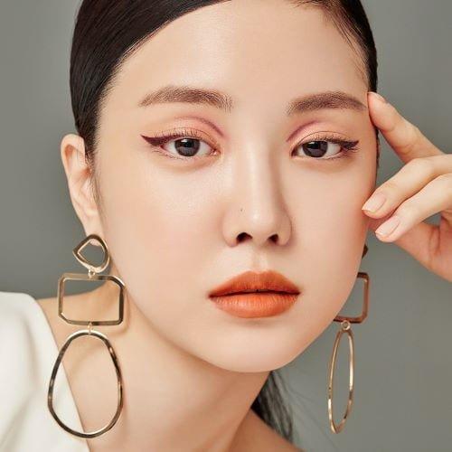 Бум на корейскую косметику: изучаем в цифрах